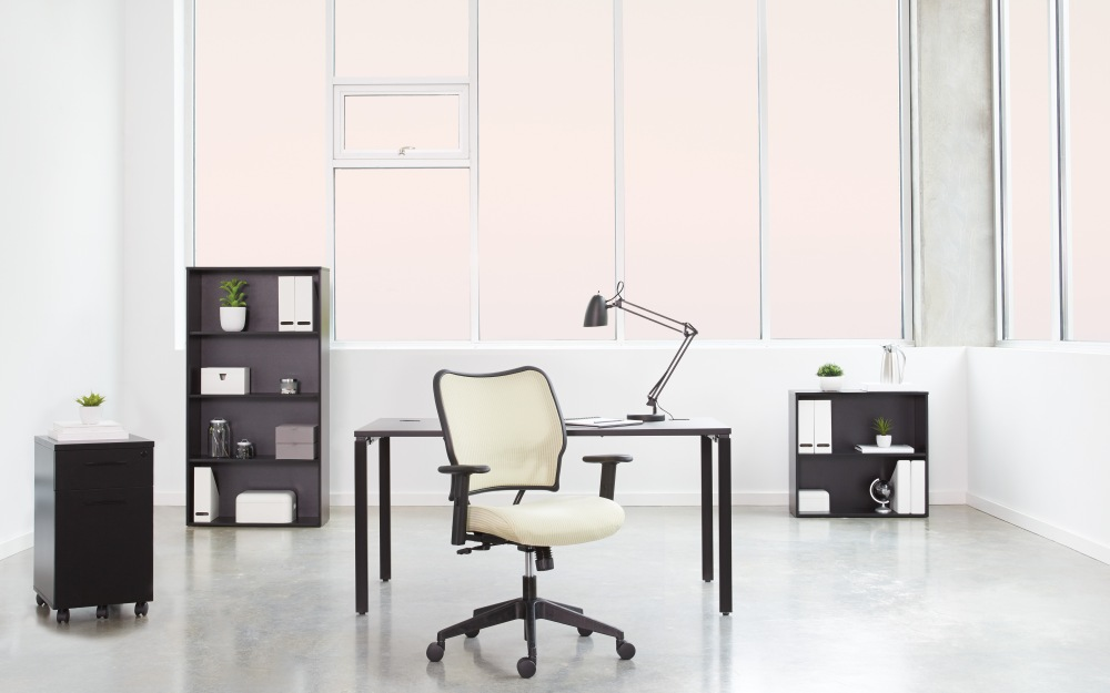 Innovative VeraFlex is stretched within the back frame to provide air-thru comfort and single-material dynamic back support.Comfortable and durable. The striped pattern is available in 5 colors to match your style.