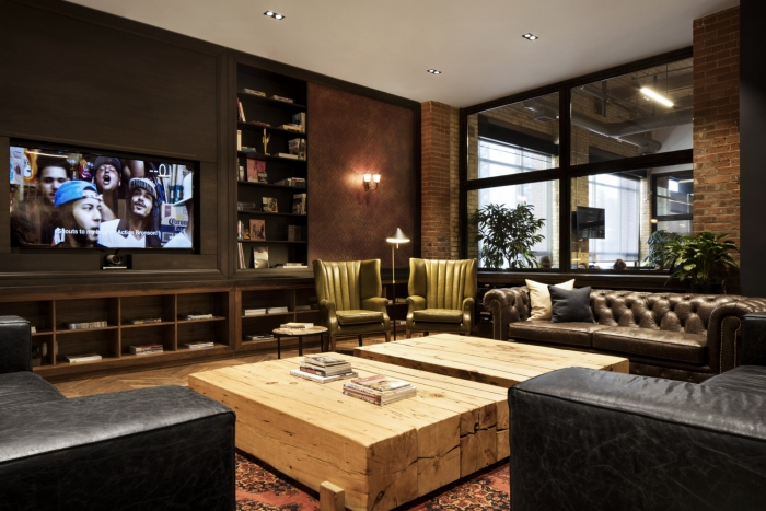 The VICE office in Toronto recreates the relaxed vibe of a classic cigar lounge with spaces that double as both socializing and collaboration zones.