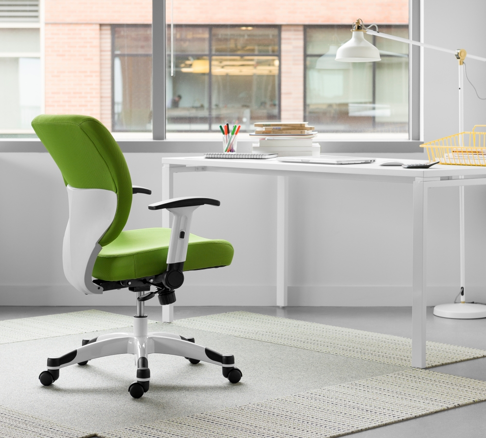 The Space Seating 5200W offers ergonomic support and a stylish look that blends into the modern home office.