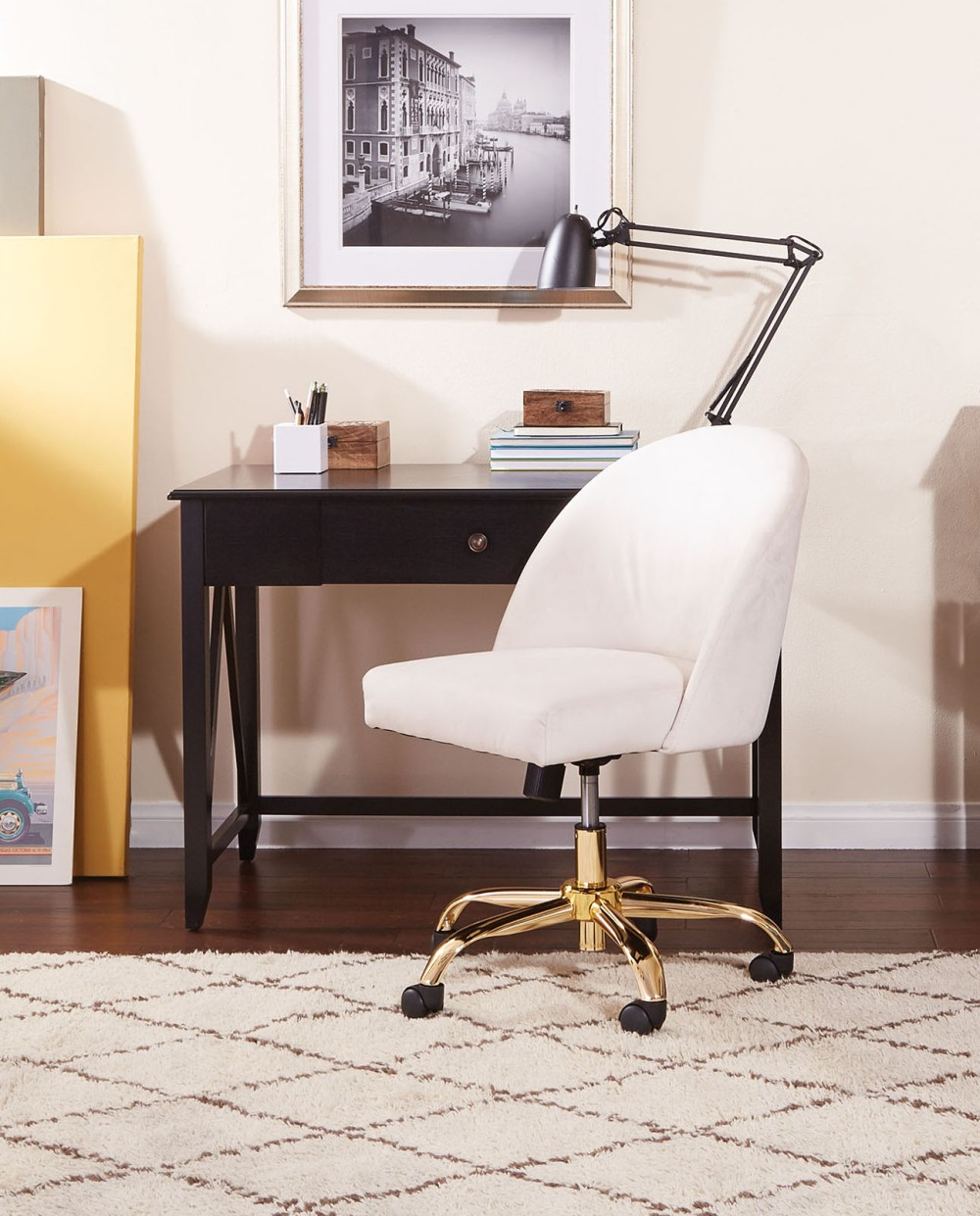 The Avenue Six Layton Office Chair – combining the style of an accent chair with the function of an office chair.