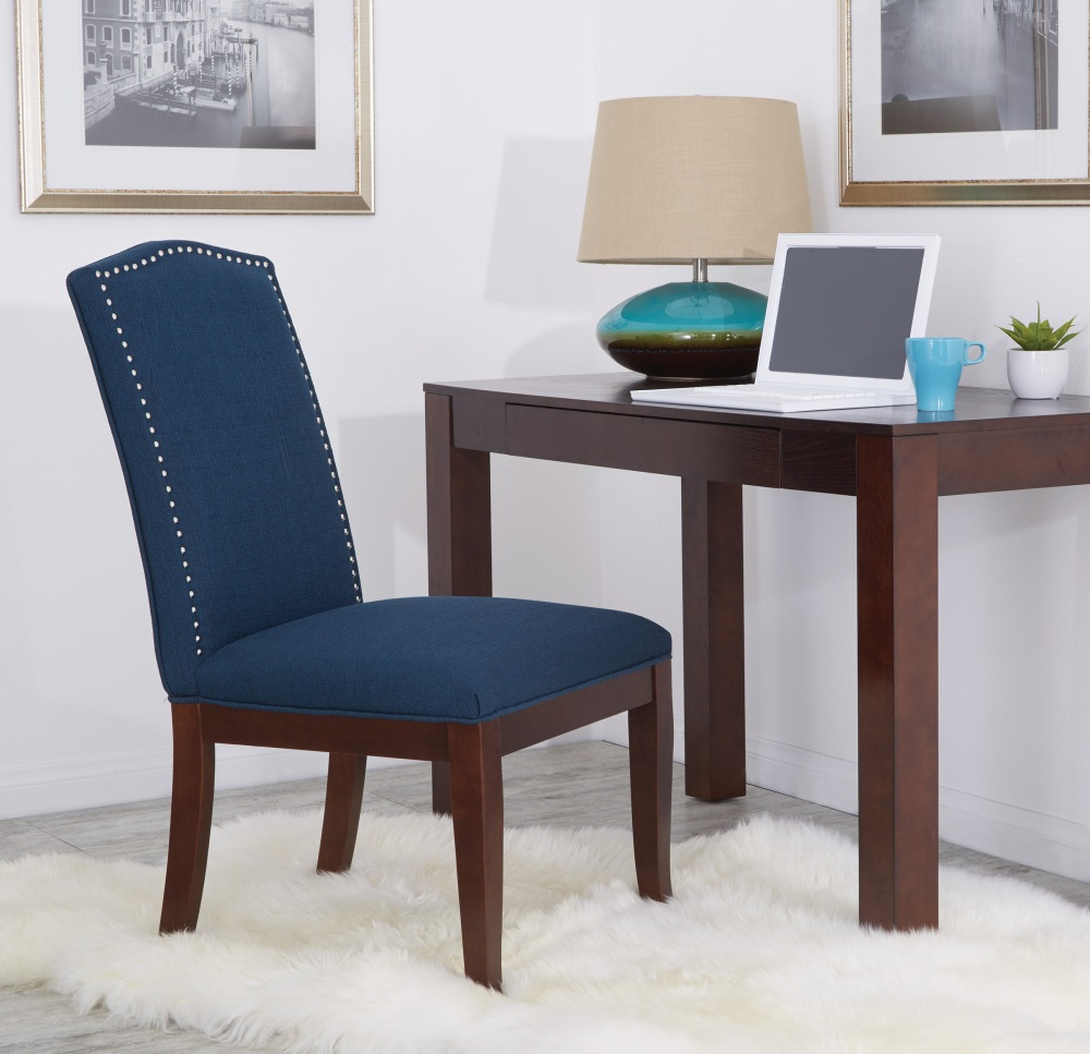 Add a touch of sophistication to your home office with the Avenue Six Hanson dining chair, an chic alternative to traditional office seating.